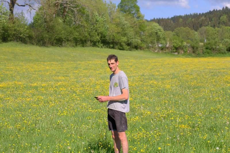 un agriculture utilise le réseau social landfiles